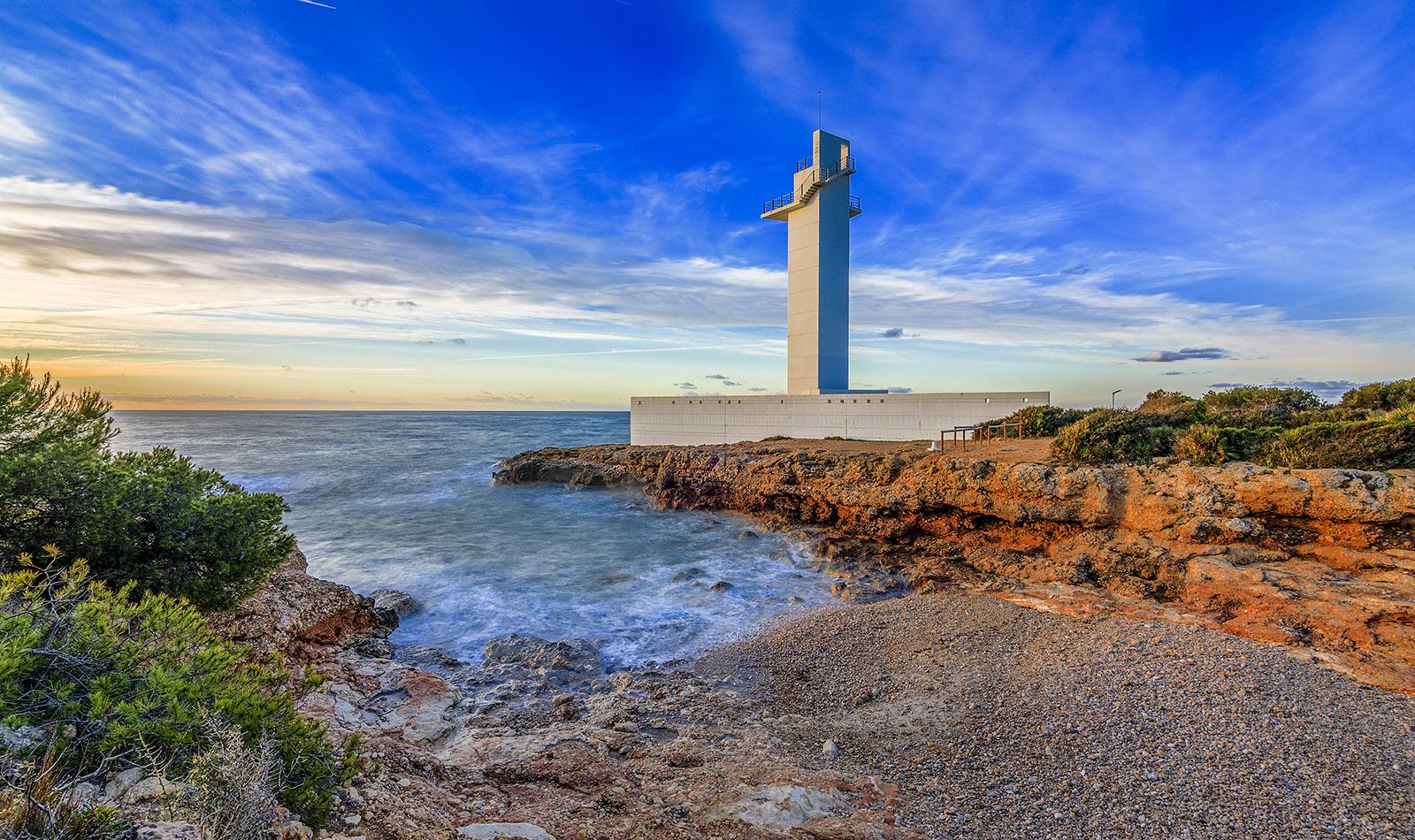 Turismo-Alcossebre-Cala-Mundina-Faro-Alcossebre