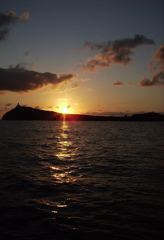 turismo-alcossebre_parque-natural-islas-columbretes-anochecer