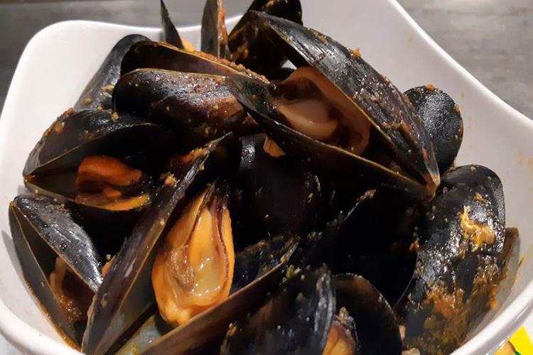 Reservas-Alcossebre gastronomía restaurante asador lilla mejillones